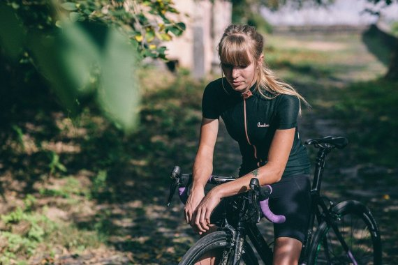 Cycling Wear for Women Athletes